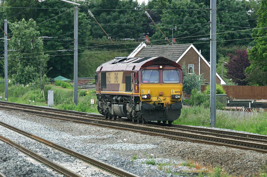 66125 Leyland 2/7/2005<br /> 0Z37 0942 Warrington Arpley-Carlisle