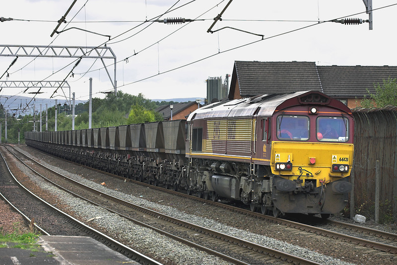 66121 Coatbridge Central 2/9/2005<br /> 6J12 1055 Longannet PS-Hunterston