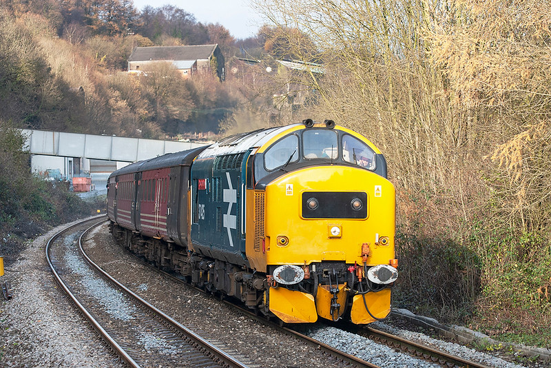 37425 Llanbradach 3/12/2005<br /> 2F30 1315 Rhymney-Cardiff Central