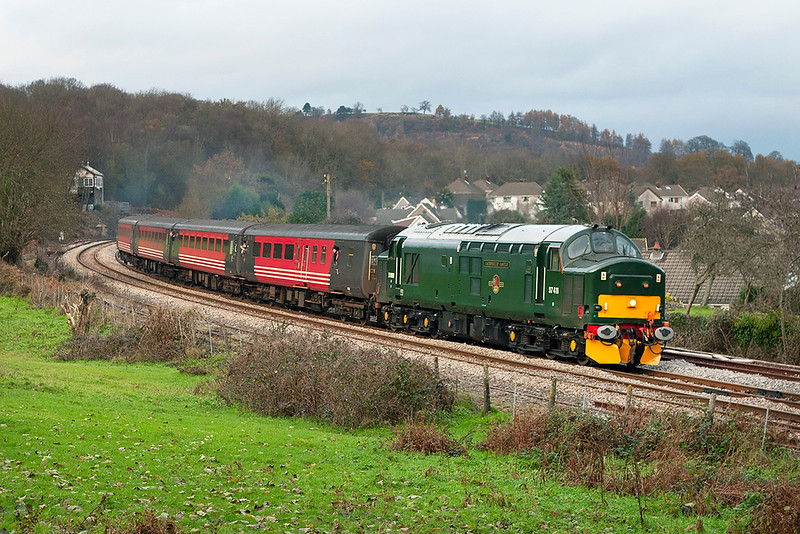 37411 Ystrad Mynach 3/12/2005<br /> 2F34 1415 Rhymney-Cardiff Central
