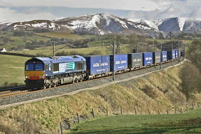 66401 Docker 4/3/2005<br /> 4M44 0832 Mossend-Daventry