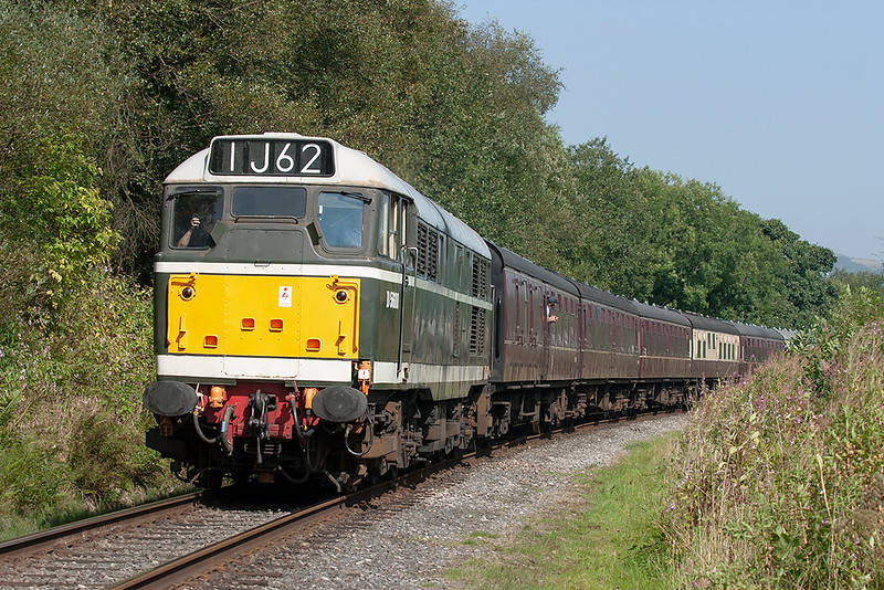 D5600 (31435), Irwell Vale 4/9/2005<br /> 1J62 1205 Rawtenstall-Heywood