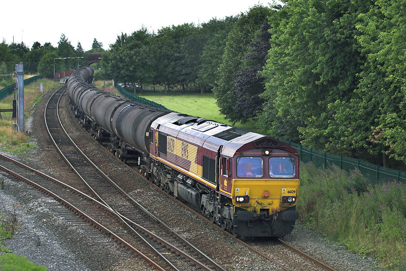 66129 Lostock Hall 5/8/2005<br /> 6E32 1254 Preston Docks-Lindsey OR