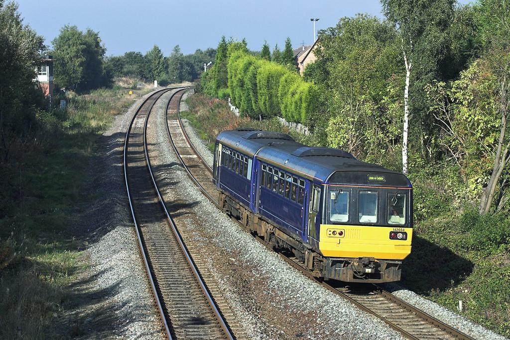 142034 Atherton 5/10/2005<br /> 2J68 0907 Southport-Rochdale