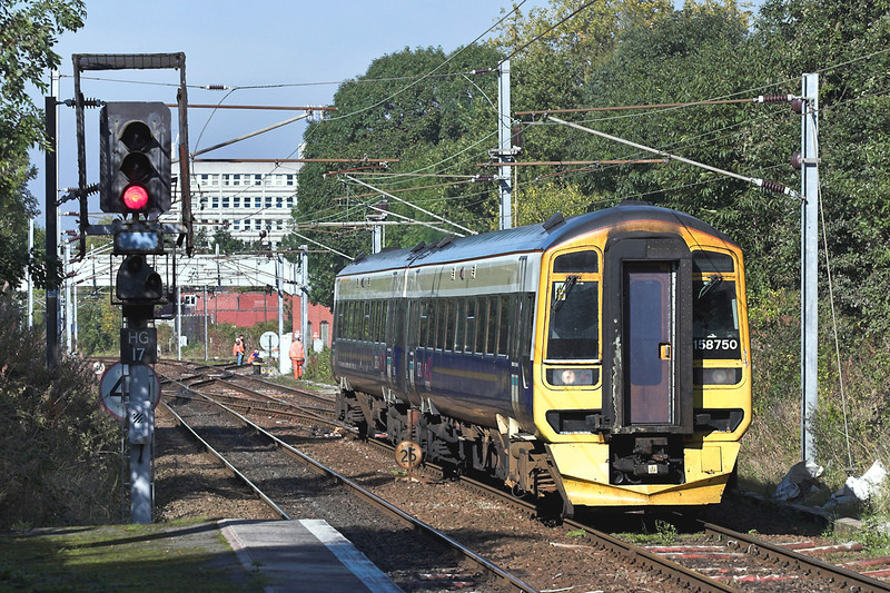 158750 Hazel Grove 5/10/2005<br /> 1B74 1057 Manchester Airport-Cleethorpes