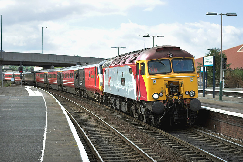 57309 Llandudno Junction 6/8/2005<br /> 1A41 1415 Holyhead-London Euston