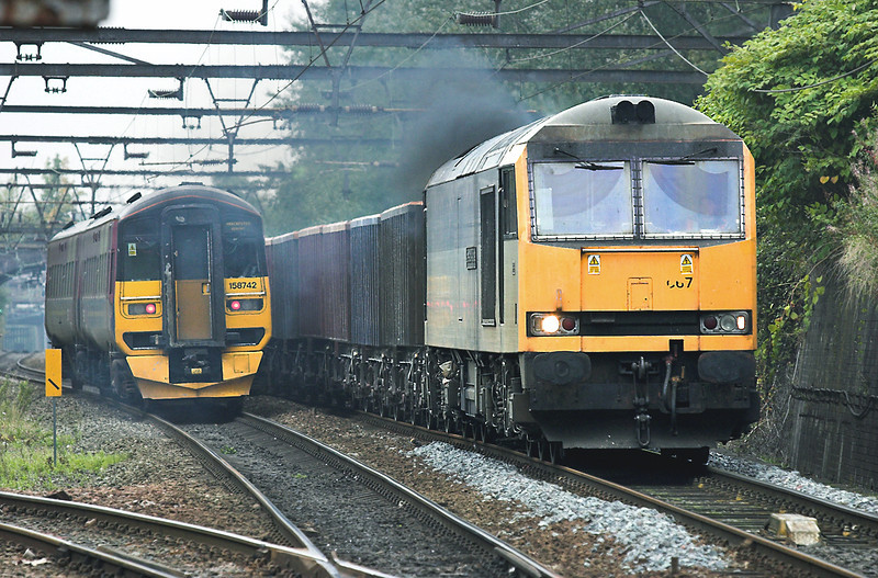 60067 and 158742, Guide Bridge 6/10/2005<br /> 60067: 6H57 1236 Ashburys-Dowlow<br /> 158742: 1P31 1008 Newcastle-Manchester Airport