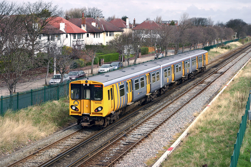 507019 Hillside 7/4/2005<br /> 2S22 1121 Hunts Cross-Southport
