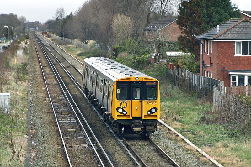 507030 Ainsdale 7/4/2005<br /> 2U20 1043 Southport-Hunts Cross