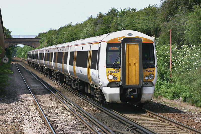 375827 and 375710, Farningham Road 7/6/2005<br /> 1S28 00.. London Victoria-Ramsgate/Dover Priory