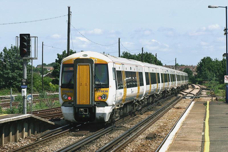 375830 and 375916, Sittingbourne 7/6/2005<br /> 1S44 1333 London Victoria-Ramsgate/Dover Priory