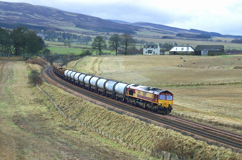 66147 Gleneagles 8/2/2005<br /> 6A30 1034 Mossend Yard-Aberdeen