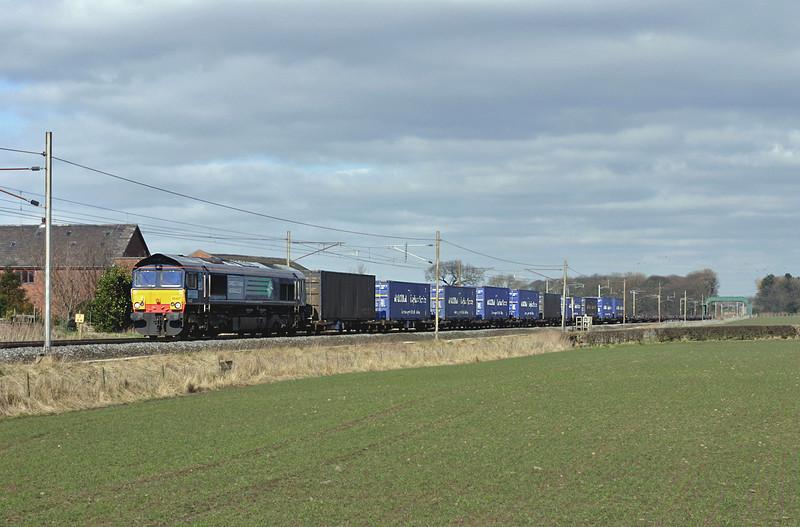 66407 Brock 8/3/2005<br /> 4M44 0832 Mossend-Daventry