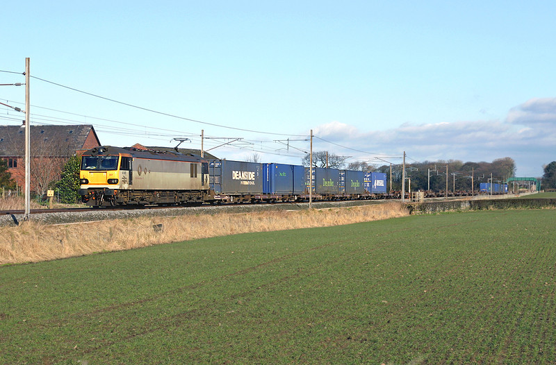 92007 Brock 8/3/2005<br /> 4M42 0631 Mossend-Daventry