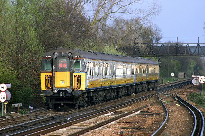 3492 and 3544, Paddock Wood 8/4/2005<br /> 2R60 1713 London Charing Cross-Ramsgate