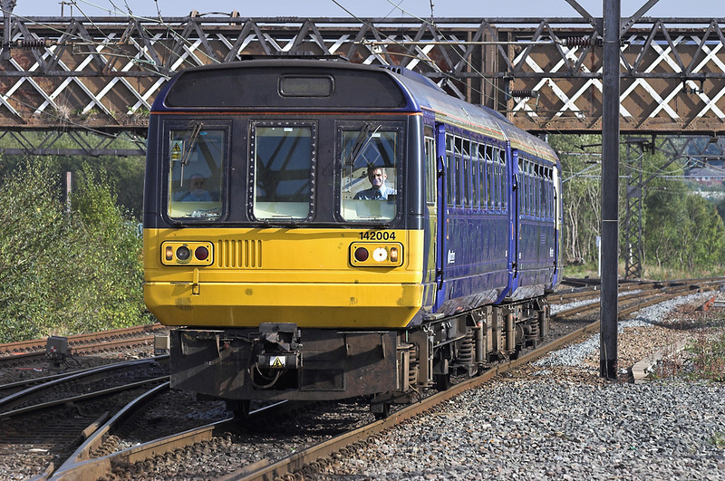 142004 Guide Bridge 10/10/2005<br /> 2H51 1330 Rose Hill Marple-Manchester Piccadilly