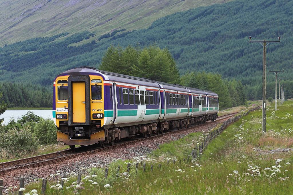 156485 and 156450, Lochain Na Bi 11/8/2005<br /> 1Y24 1320 Oban-Glasgow Queen Street