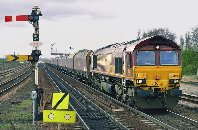 66018 Barnetby 12/4/2005<br /> 4K37 0908 Worksop-Immingham Docks
