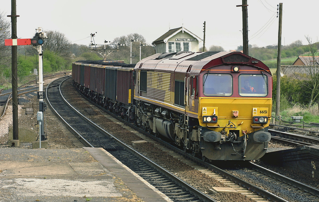 66151 Barnetby 12/4/2005<br /> 6M88 1223 Immingham Reception Sidings-Ketton