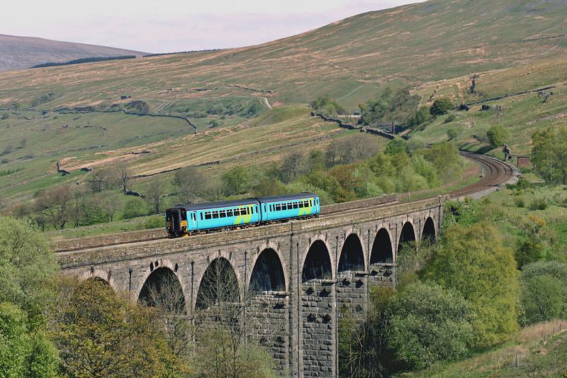 156498 Denthead 12/5/2005<br /> 2H85 0857 Carlisle-Leeds