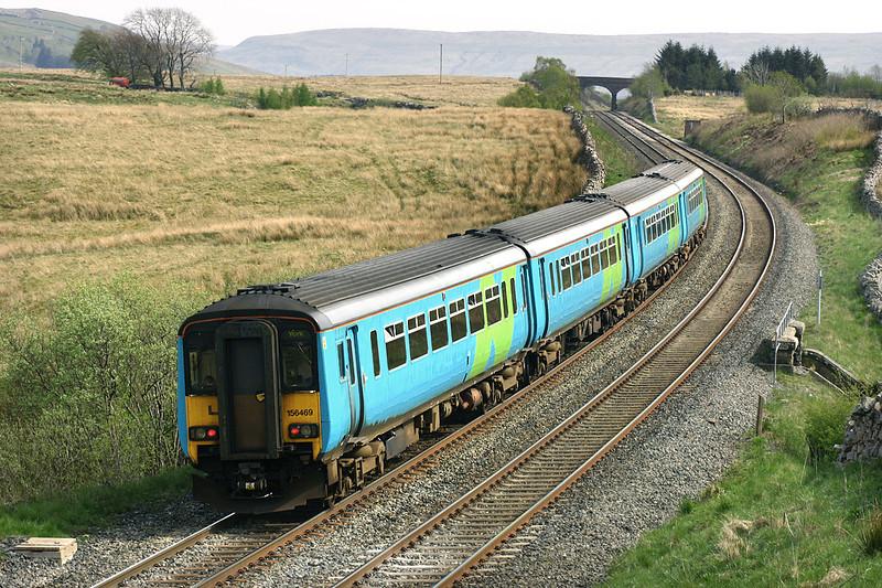 156469 and 156468, Ais Gill 12/5/2005<br /> 2H93 1426 Carlisle-York