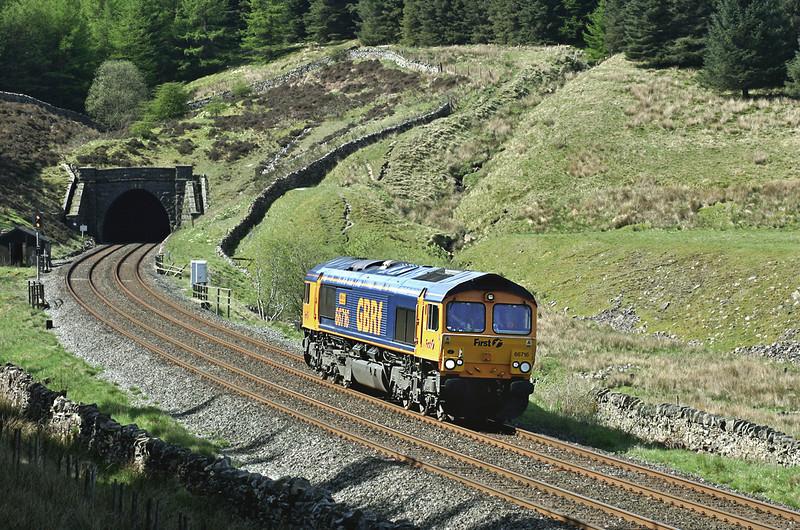 66716 Denthead 12/5/2005<br /> 0M56 0905 Skipton-Carlisle