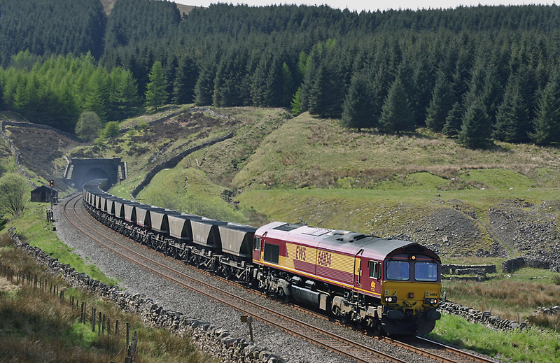 66104 Denthead 12/5/2005<br /> 6S18 0958 Milford Sidings-Falkland Yard