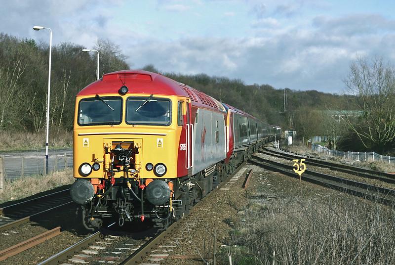 57315 and 390031, Lostock Junction 13/2/2005<br /> 1P85 1048 Northampton-Preston