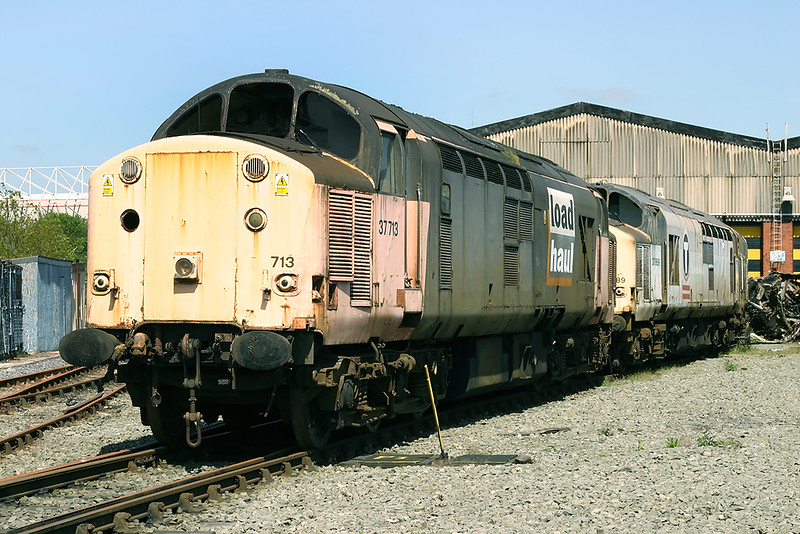 37713 and 37889, Crewe 14/5/2005