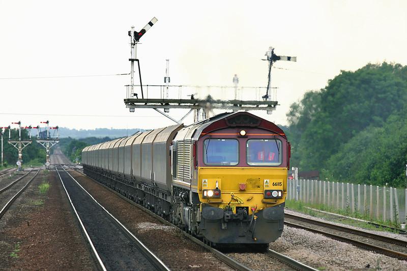 66115 Barnetby 16/6/2005<br /> 4K75 1432 Worksop Yard-Immingham Coal