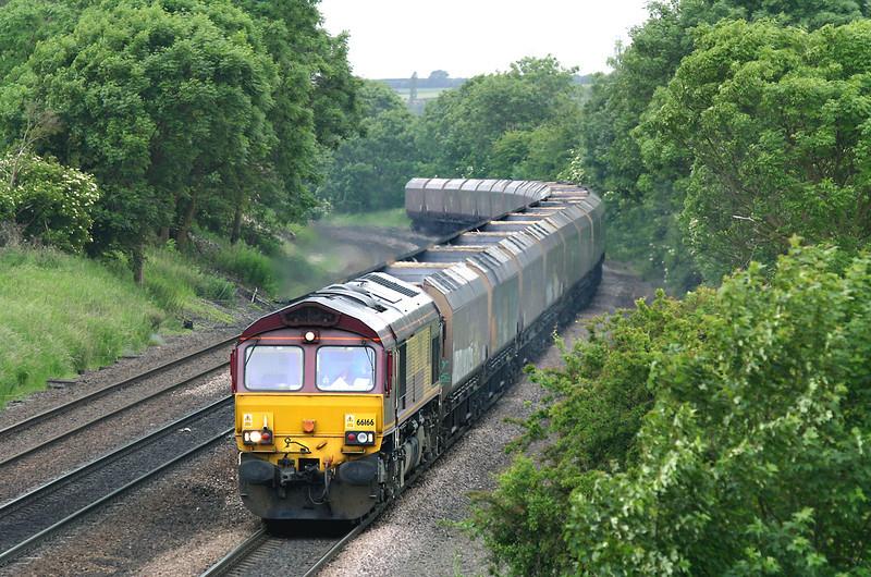 66166 Melton Ross 16/6/2005<br /> 4D50 1240 Milford Sidings-Immingham Dock