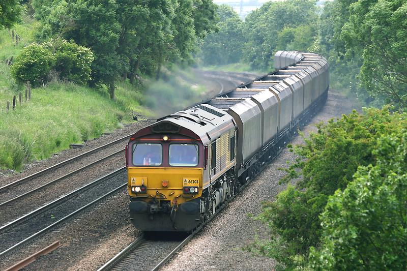 66203 Melton Ross 16/6/2005<br /> 4C76 1535 Scunthorpe-Immingham Bulk Terminal