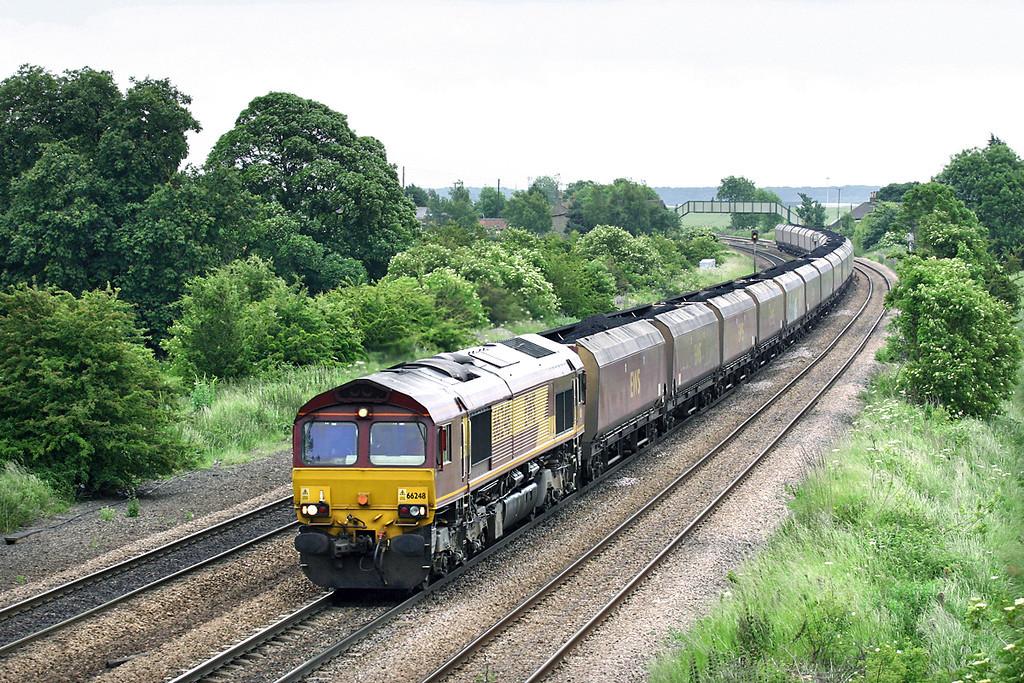 66248 Melton Ross 16/6/2005<br /> 6C08 1245 Immingham NCB Sidings-Eggborough PS