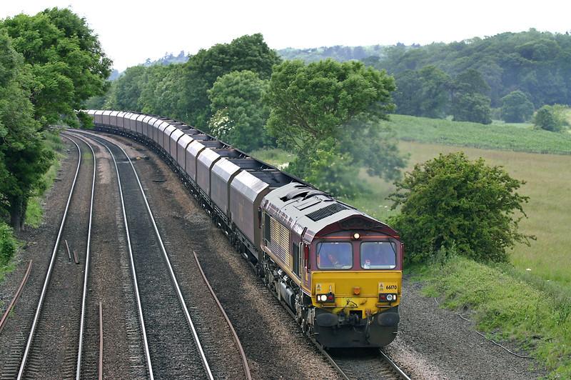 66170 Melton Ross 16/6/2005<br /> 4D82 1358 Sudforth Lane-Immingham Dock