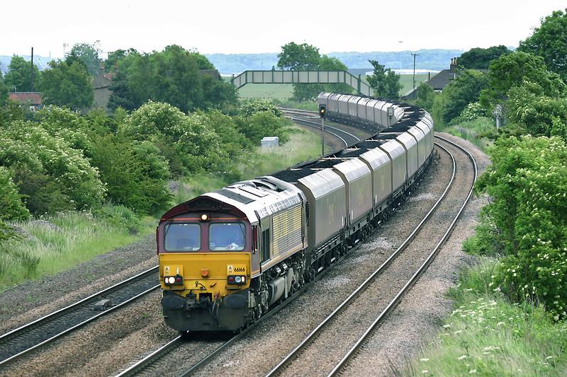 66166 Melton Ross 16/6/2005<br /> 6H03 1615 Immingham Dock-Ferrybridge PS