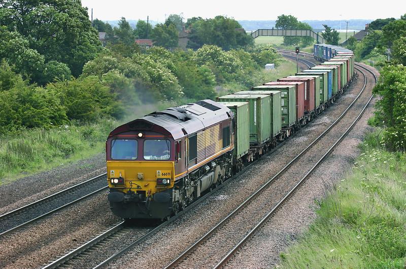 66071 Melton Ross 16/6/2005<br /> 6D66 1503 Immingham Reception Sidings-Doncaste Belmont Yard