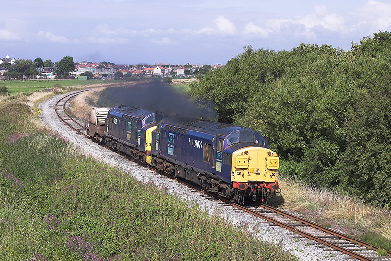 37029 and 37229, Sandylands 16/8/2005<br /> 6C51 1237 Sellafield-Heysham