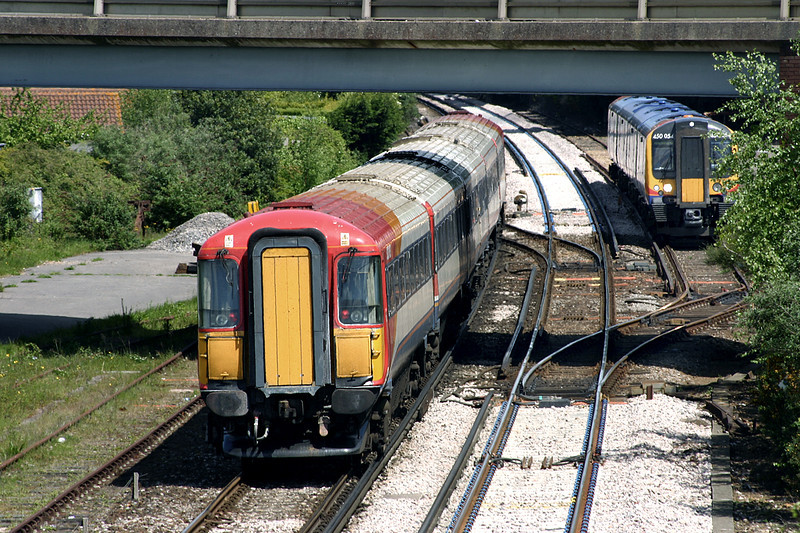 2412 Wareham 17/5/2005<br /> 1W48 1300 Weymouth-London Waterloo