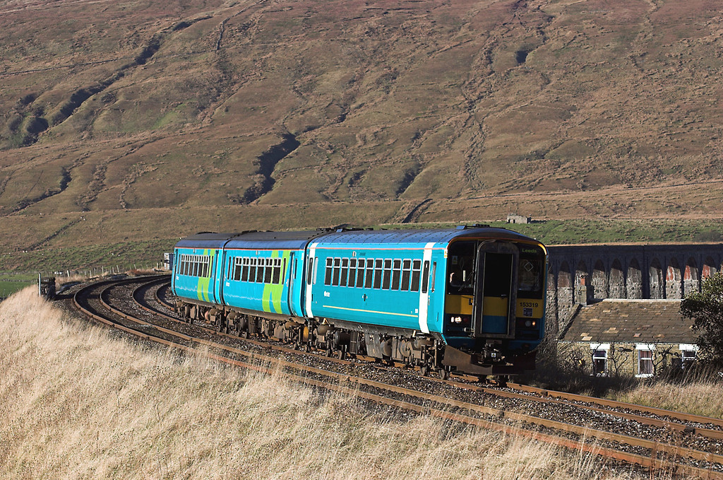 153319 and 156486, Ribblehead 17/11/2005<br /> 2H89 1154 Carlisle-Leeds