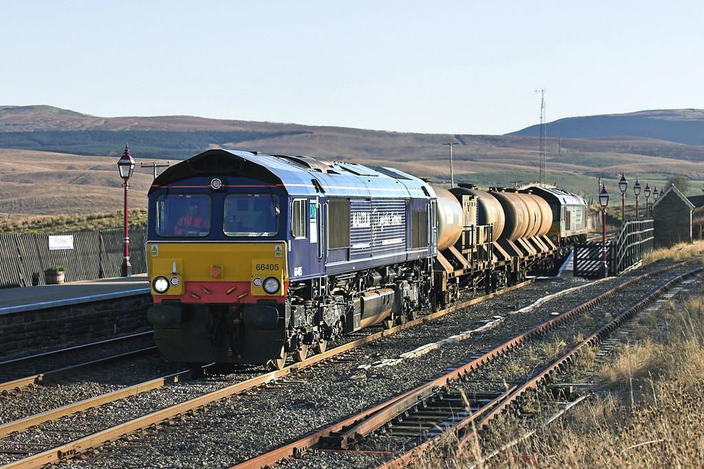 66405 and 66401, Ribblehead 17/11/2005<br /> 4Z06 0300 Carlisle Kingmoor-Carlisle Kingmoor