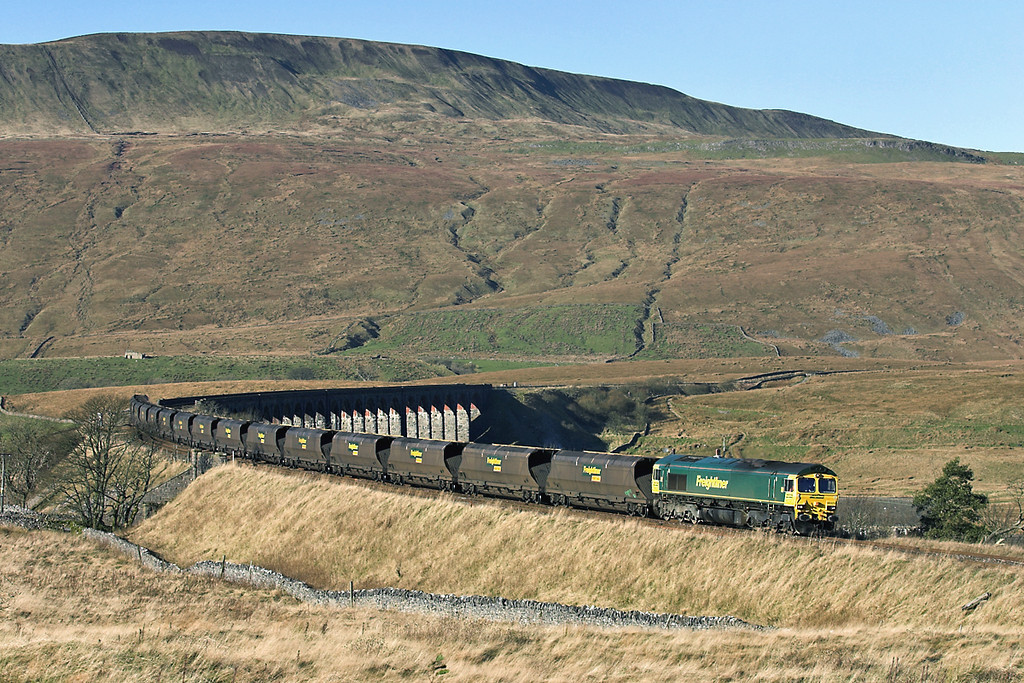 66524 Ribblehead 17/11/2005<br /> 6E36 0608 Hunterston-Ferrybridge PS