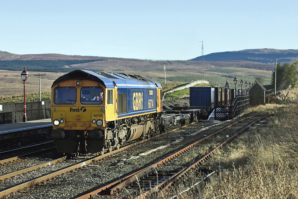 66714 Ribblehead 17/11/2005<br /> 4M52 0615 West Burton PS-Newbiggin