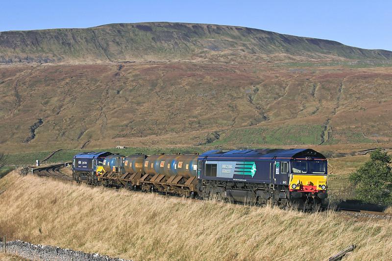 66401 and 66405, Ribblehead 17/11/2005<br /> 4Z06 0300 Carlisle Kingmoor-Carlisle Kingmoor