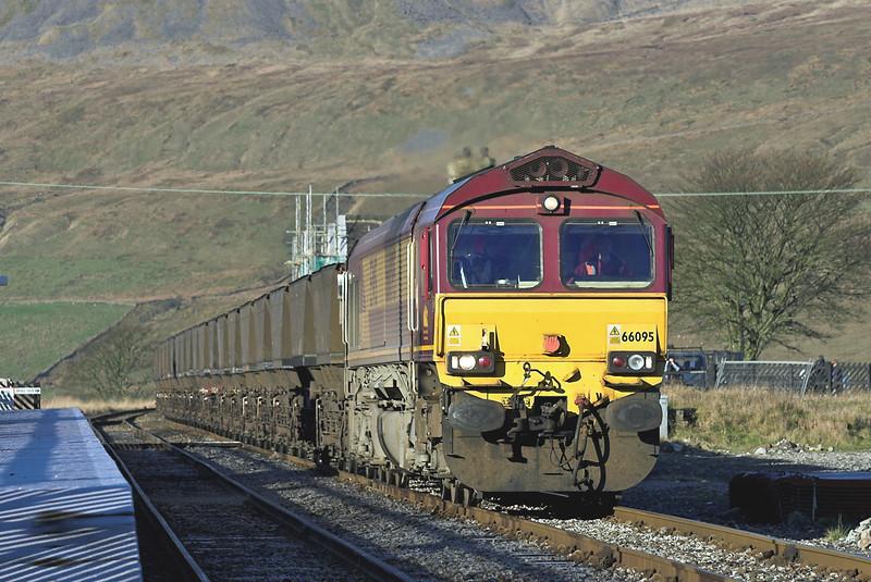 66095 Ribblehead 17/11/2005<br /> 6U50 0155 Falkland Yard-Drax PS