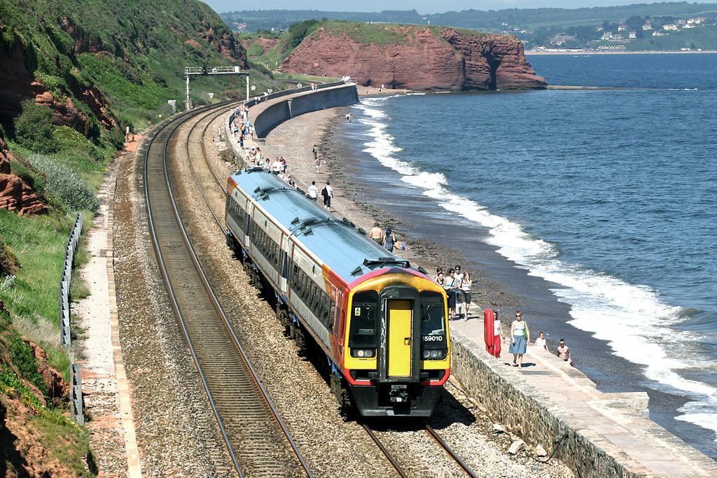 159010 Dawlish 18/6/2005<br /> 1L33 1220 London Waterloo-Plymouth