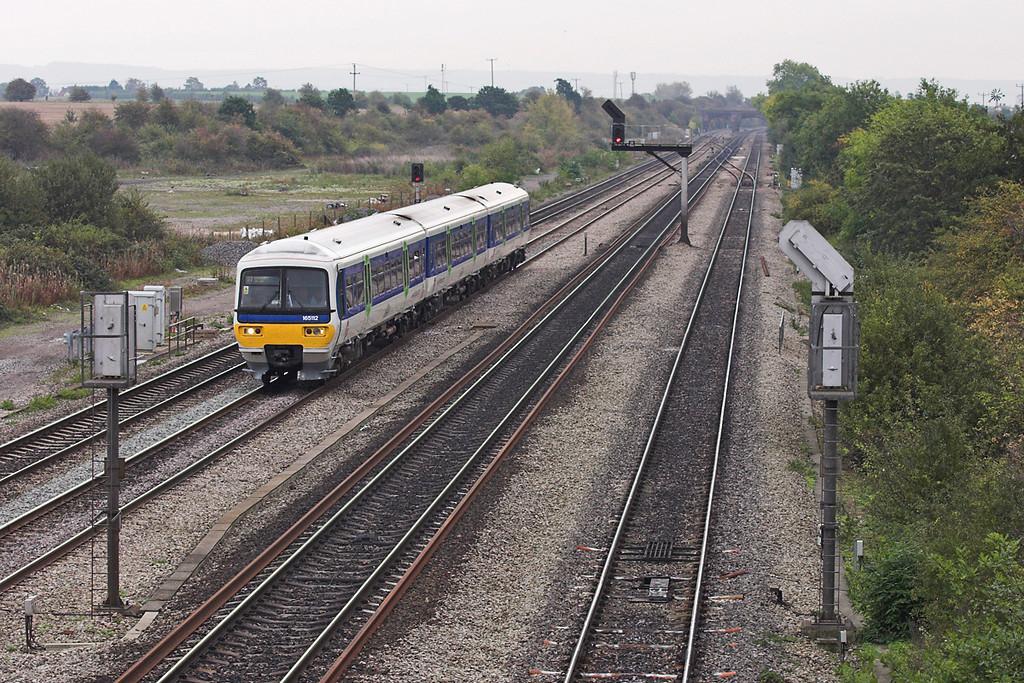 165112 South Moreton 18/10/2005<br /> 2N24 0933 London Paddington-Banbury