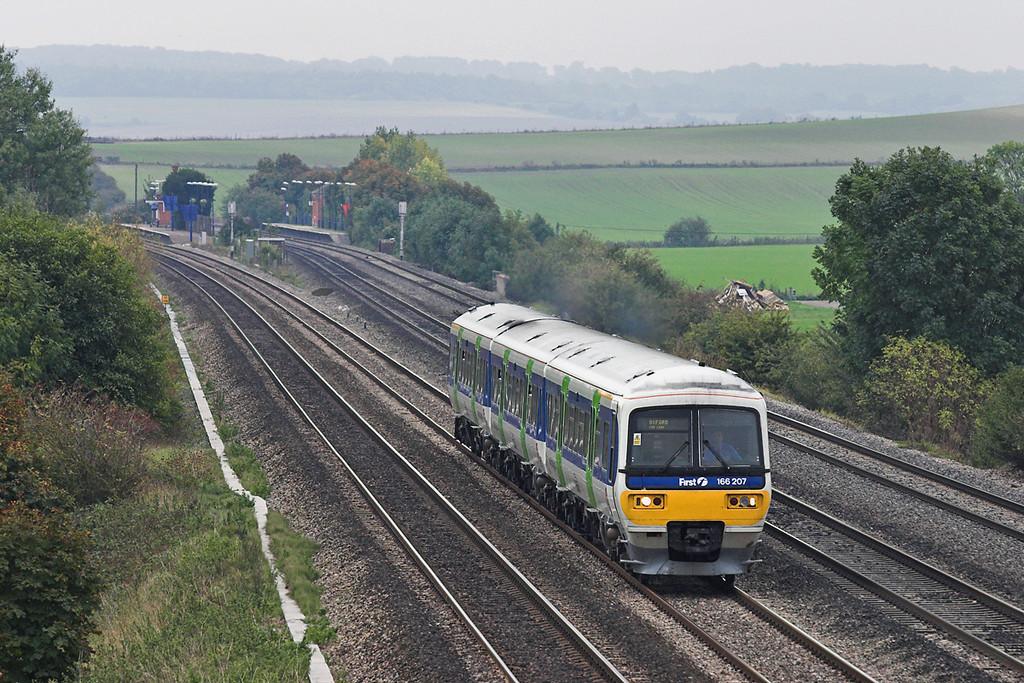 166207 Cholsey 18/10/2005<br /> 2N44 1333 London Paddington-Oxford