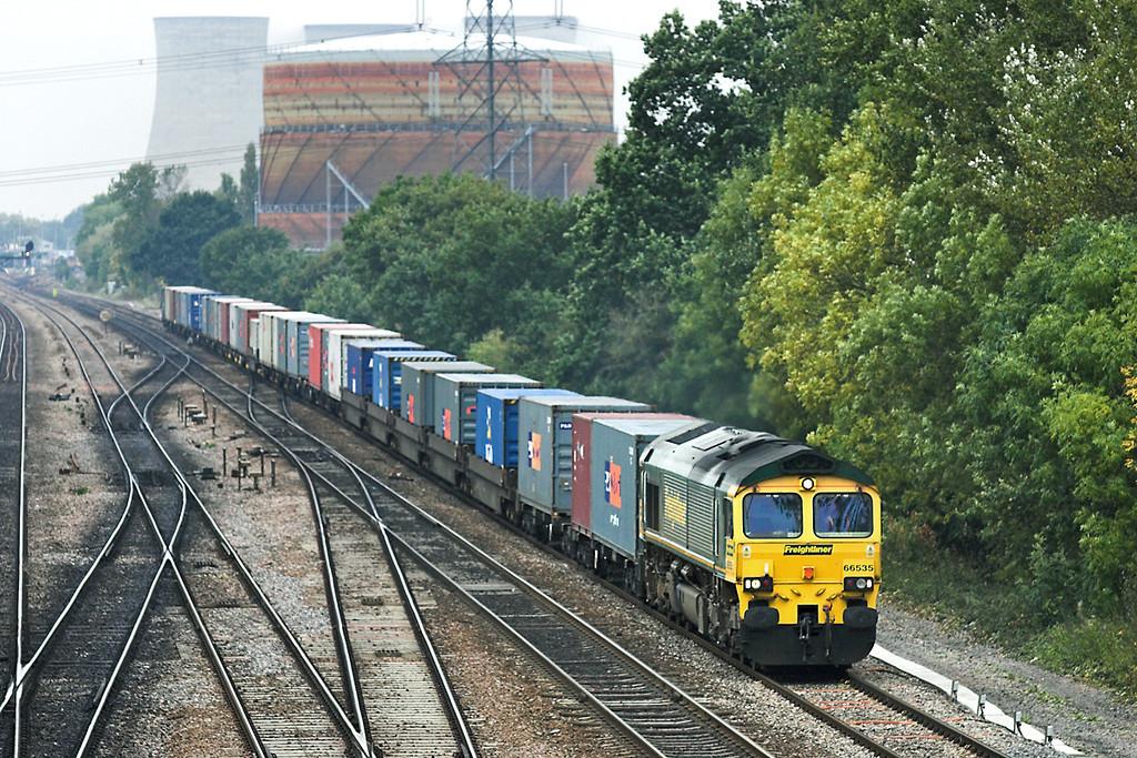 66535 South Moreton 18/10/2005<br /> 4O54 0553 Leeds FLT-Millbrook