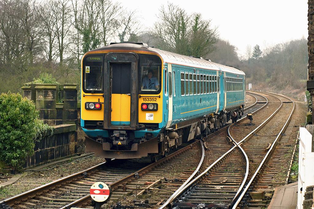 153352 and 153307, Knaresborough 19/3/2005