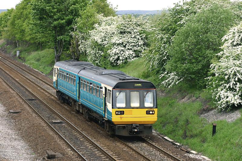 142078 Mirfield 20/5/2005<br /> 2J22 1131 Huddersfield-Leeds